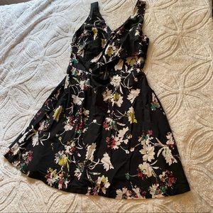 Jessica Simpson floral dress black large